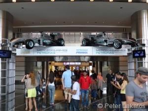 Haupteingang der Petronas Zwillingstürme