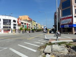 Über die Strasse beim Busbahnhof