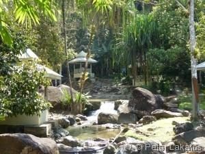 Der Weg zum Durian Perangin Wasserfall
