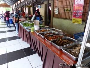 Selbstbedienungsrestaurant im Museumsviertel von Kota Bharu