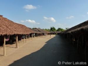 Das Langhalsfrauen Dorf