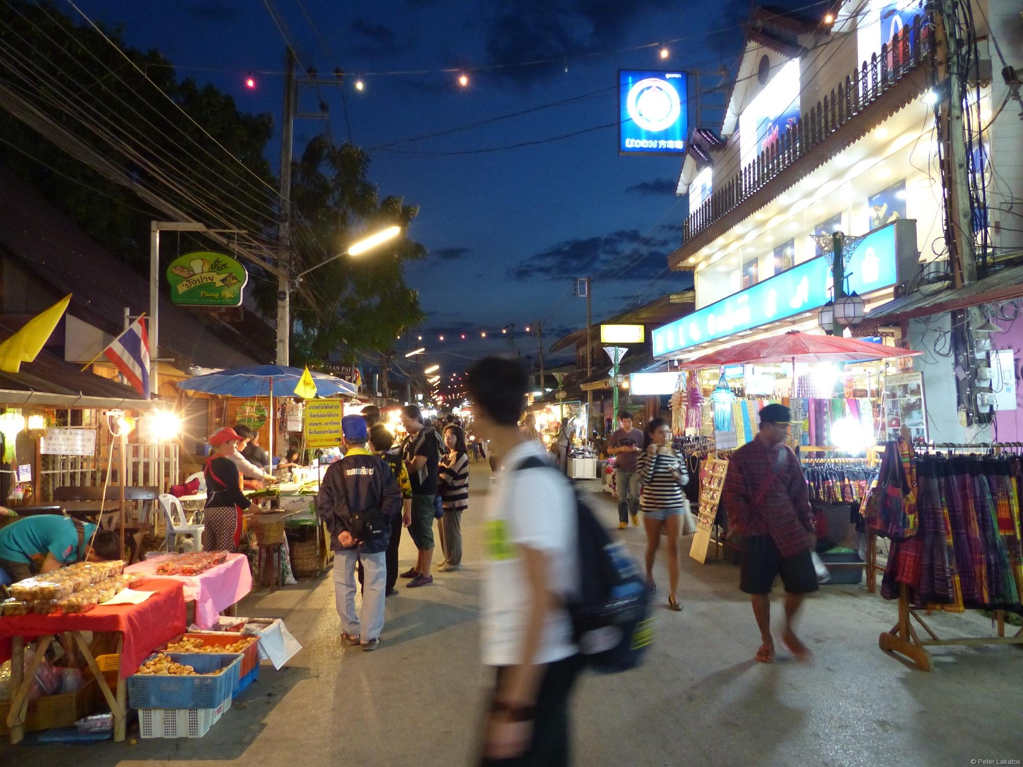 Pai - Walking Street