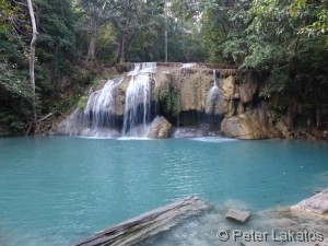 Ebene zwei des Erawan Wasserfall