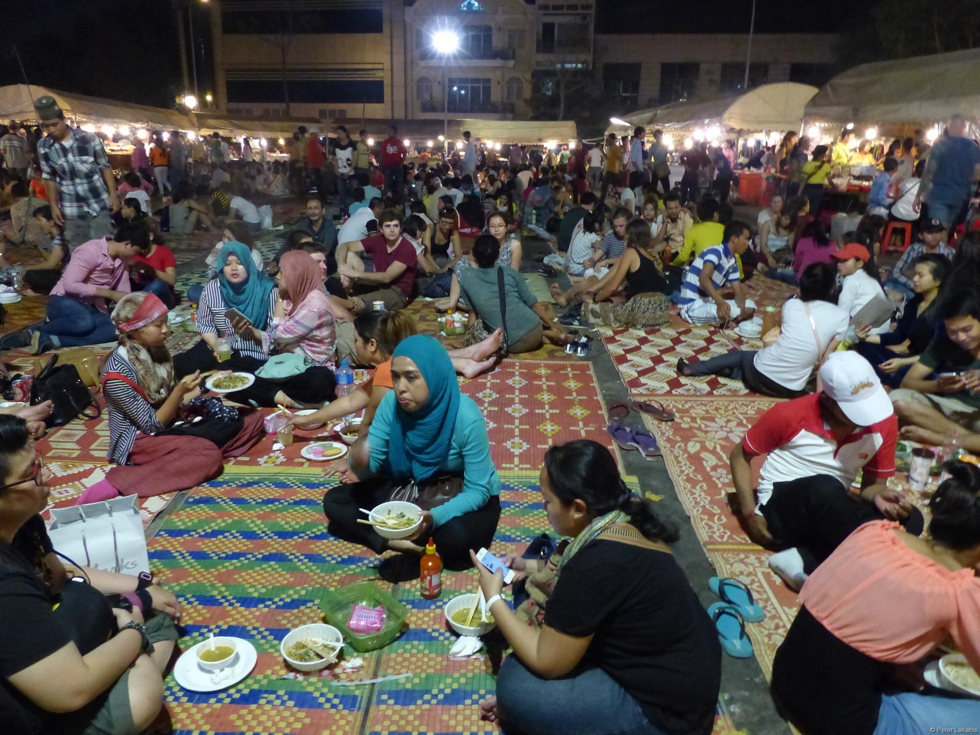 Essen auf dem Nachtmarkt