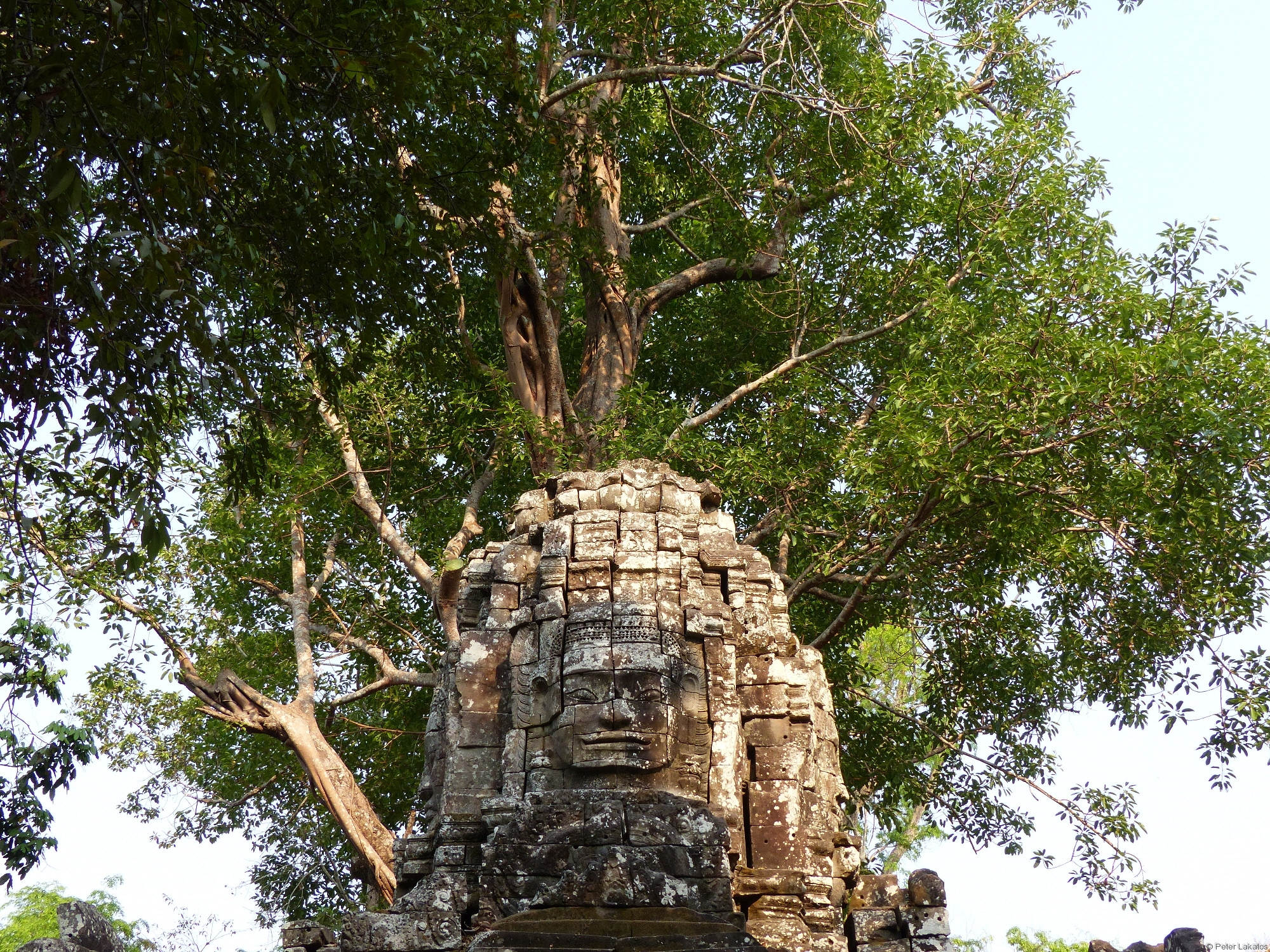 Winkende Statue