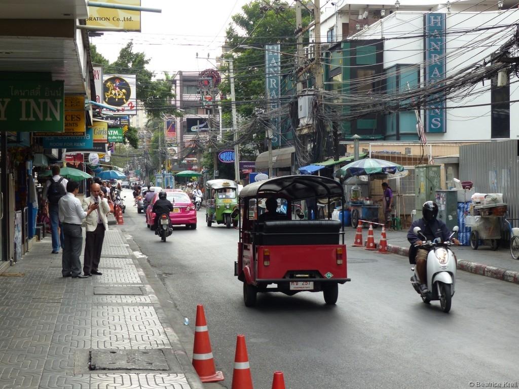 Viele Gebäude in Bangkok sind nicht wirklich hoch, ...
