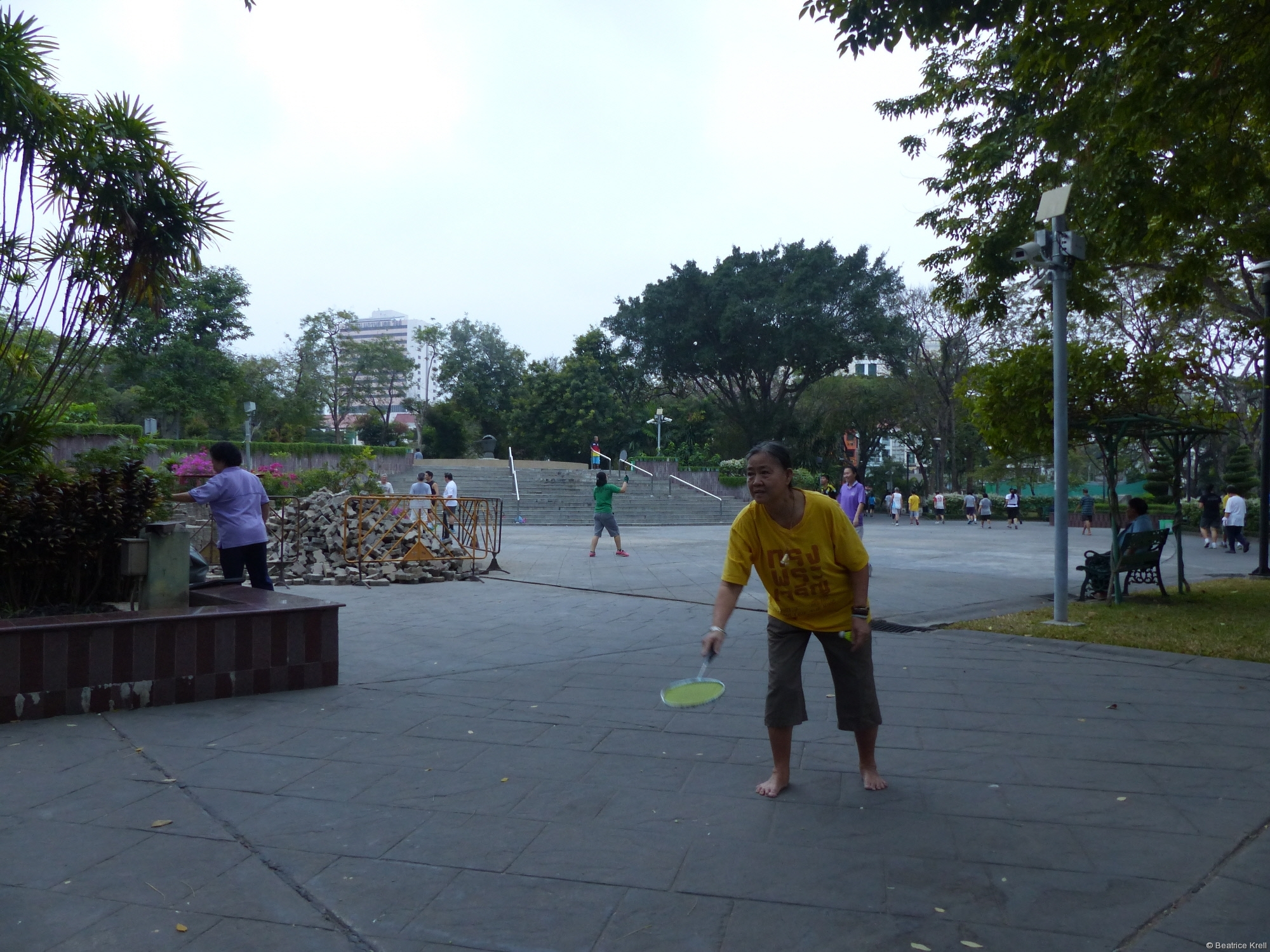 Bei Einigen steht Badminton auf dem Programm.