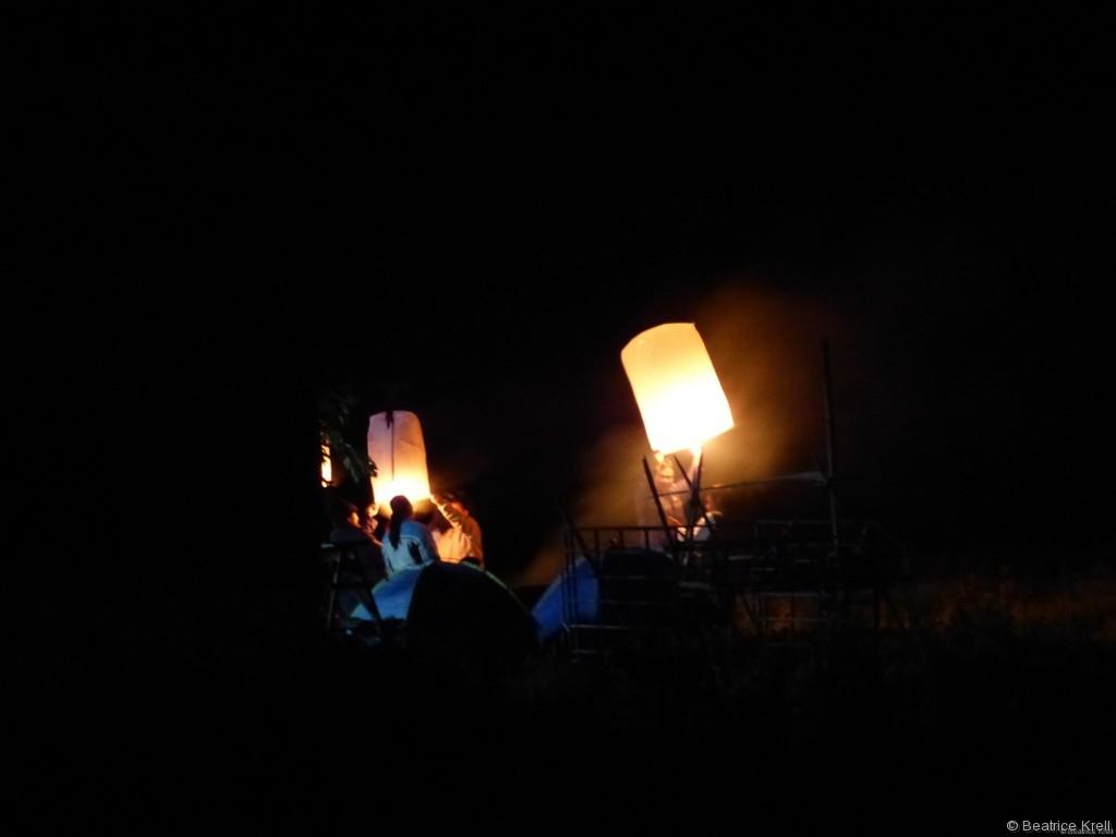 Es wurden viele Kong-Ming-Laternen entzündet.