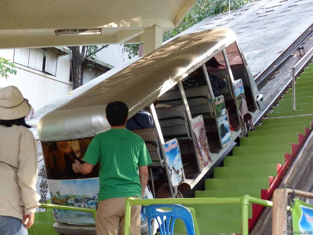 Standseilbahn zum Wat Tham Seua