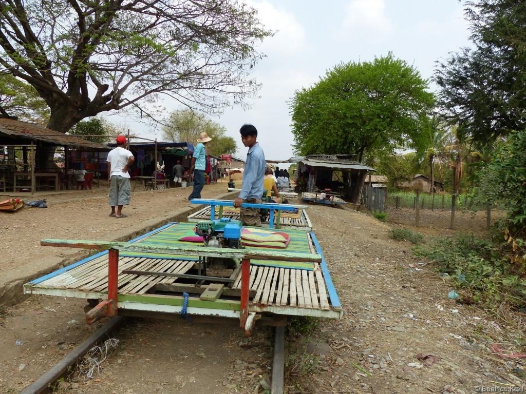 Bitte Platz nehmen im Bambootrain.