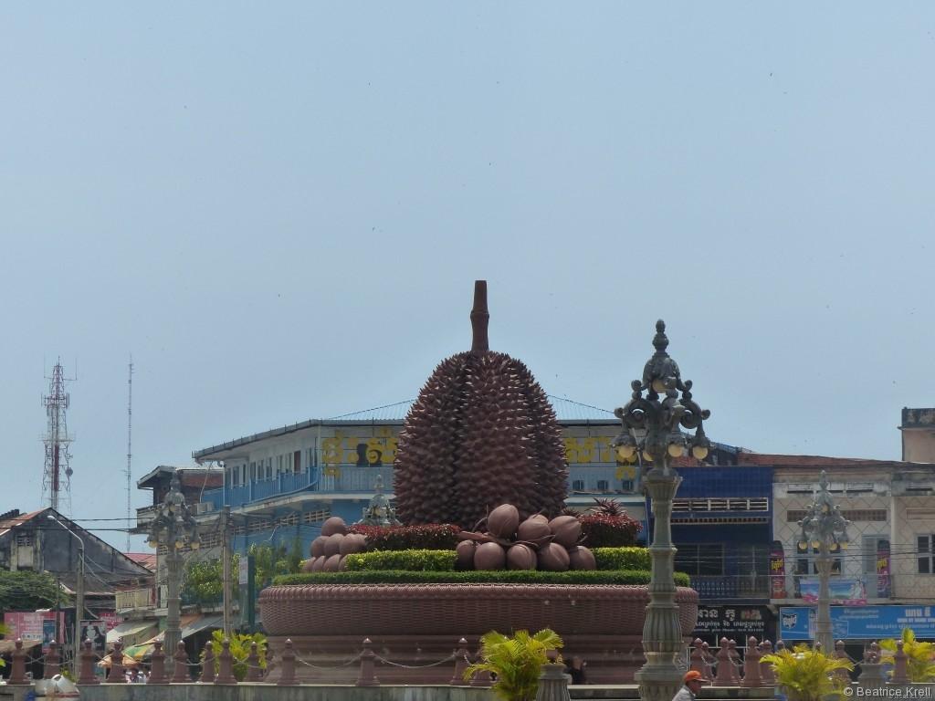 Durianfrucht-Verkehrskreisel in Kampot