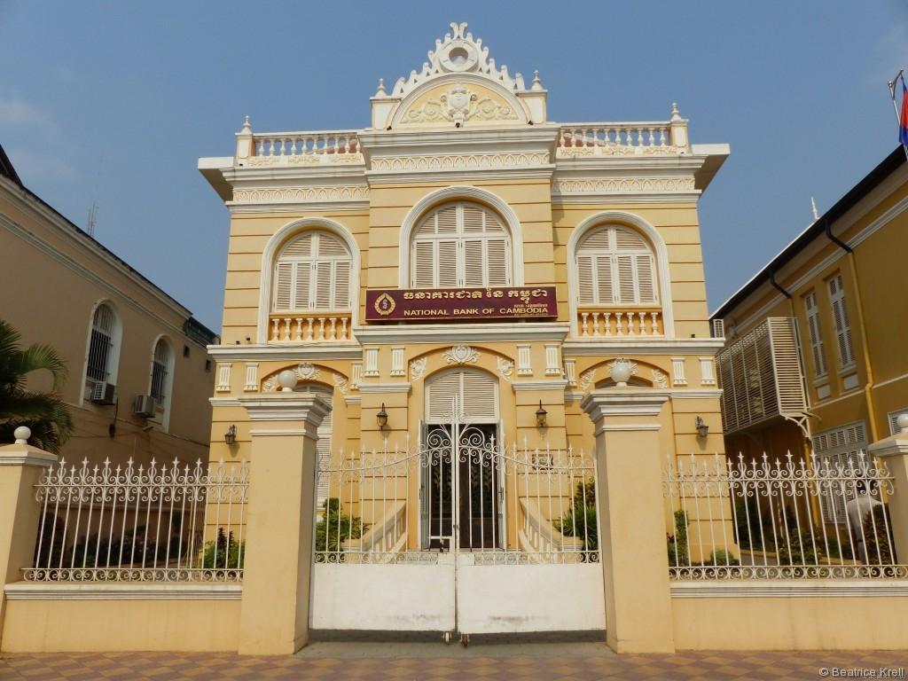 Restauriertes Art-Deko Gebäude in Batambong