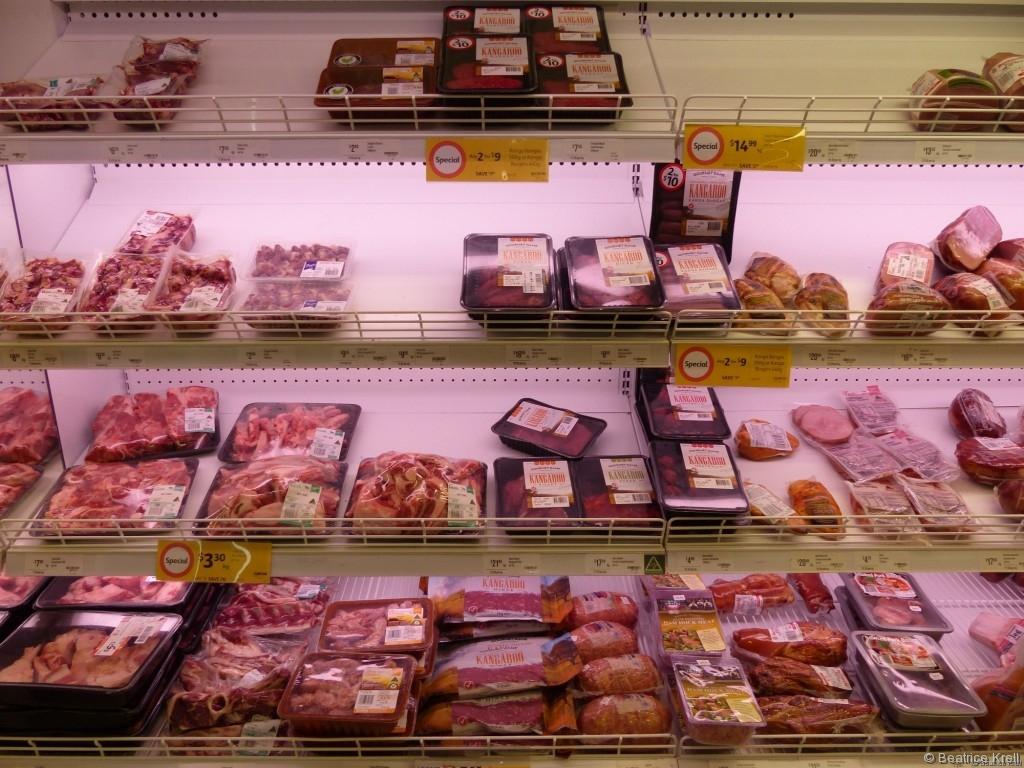Die Fleischauswahl in australischen Supermärkten ist riesig und die Fleischpackungen sind es auch.