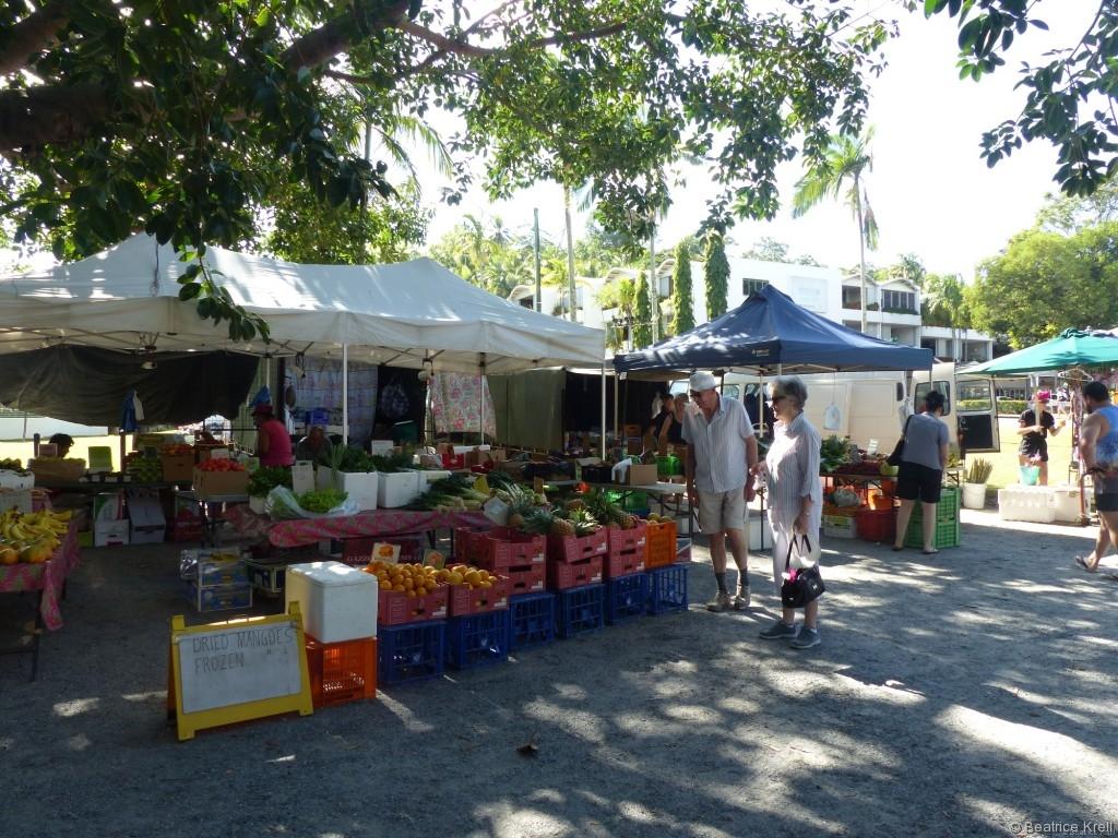 Früchte gibt es hier auch zu kaufen.