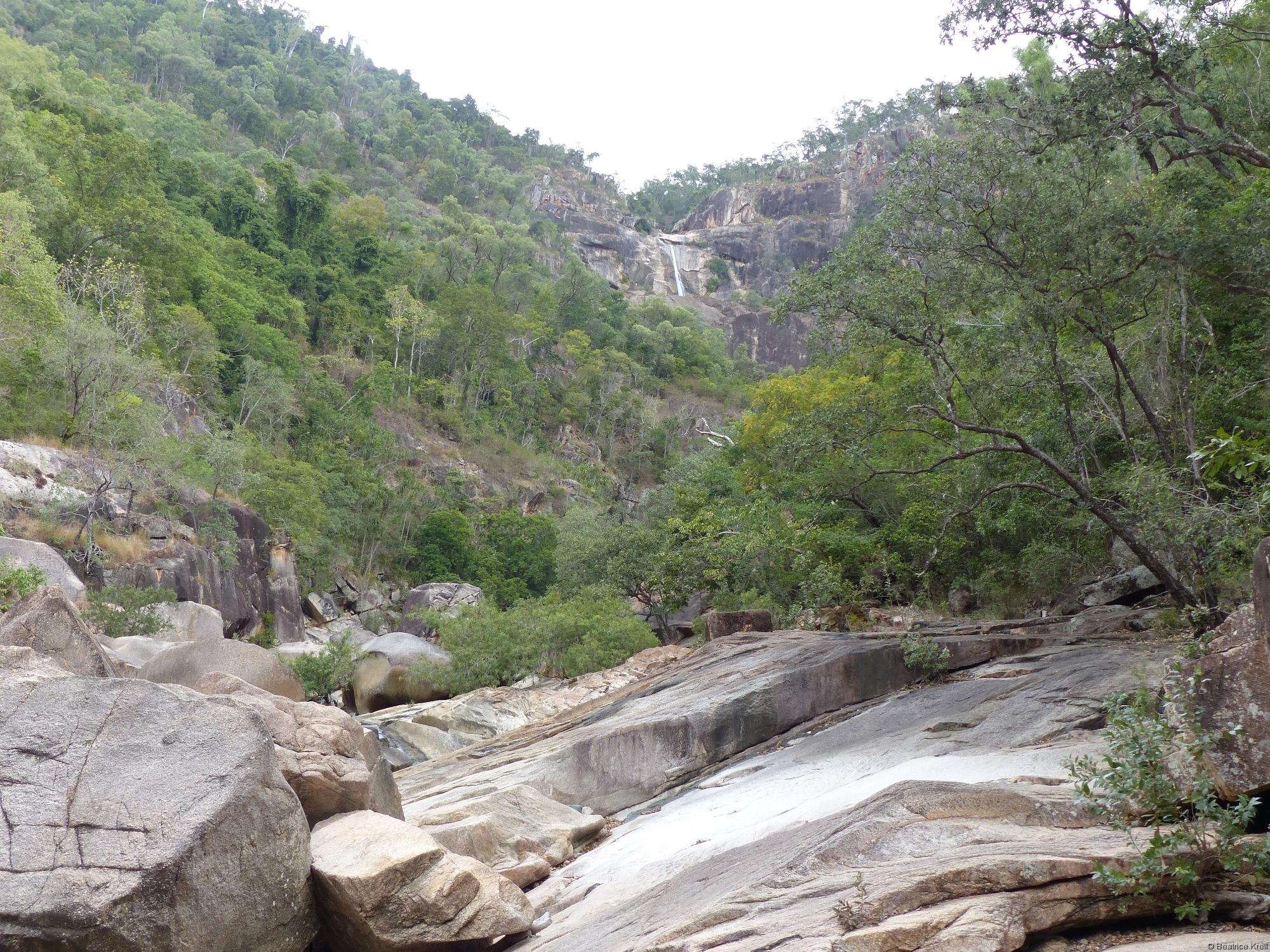 Da oben kann man die Jourama Falls sehen.